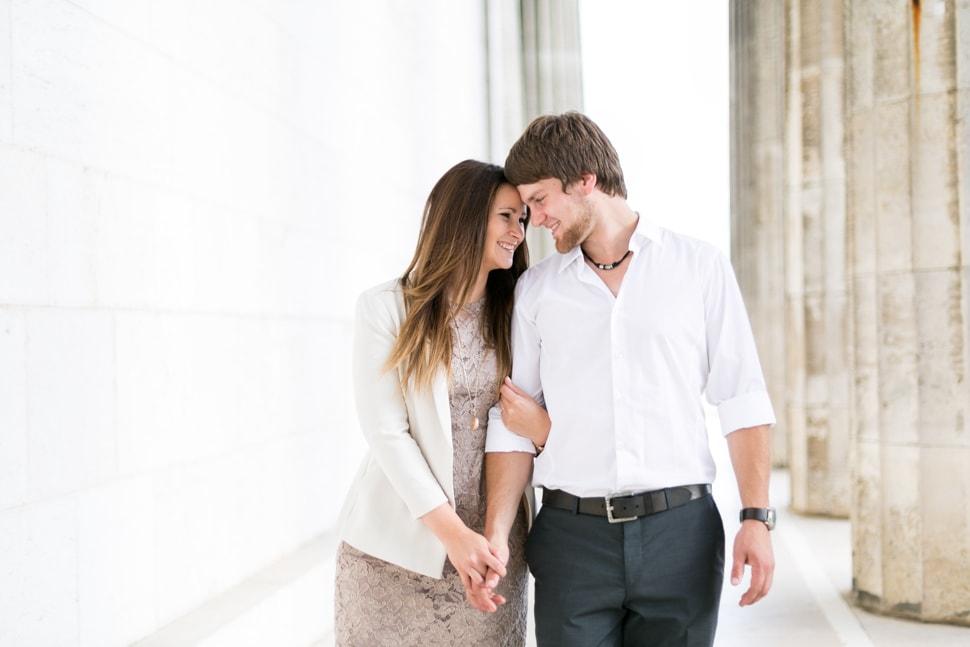 Verlobungsfotos an der Walhalla in Donaustauf