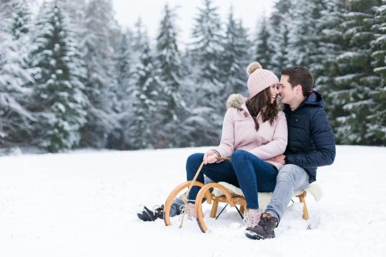 Pärchenfotos im Schnee